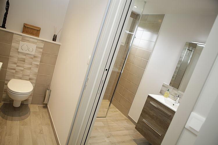 Entreprise tous corps d'état Côtes d'Armor salle de bains rénovation peinture faïence carrelage mobilier